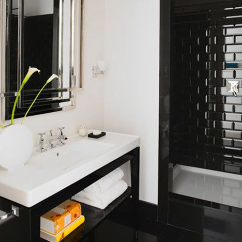 shiny_black_bathroom_tiles_13