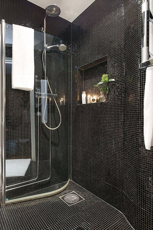 shiny_black_bathroom_tiles_19