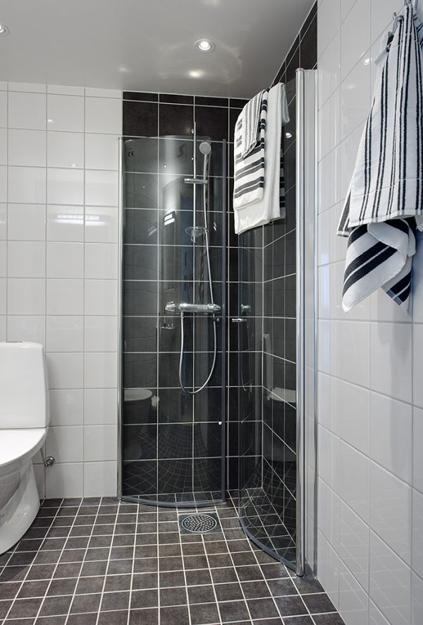 shiny_black_bathroom_tiles_33
