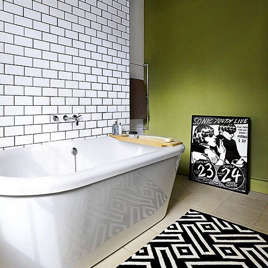 small_black_and_white_bathroom_tiles_19