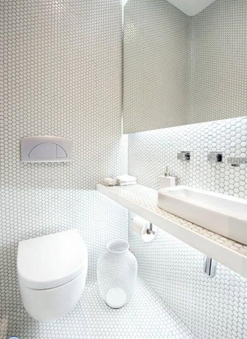 small_white_bathroom_tiles_17