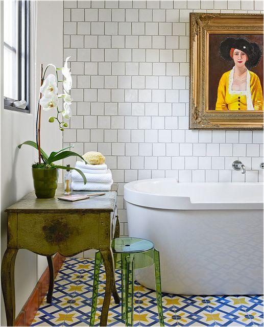 small_white_bathroom_tiles_22
