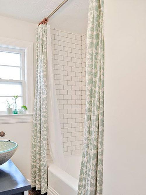 small_white_bathroom_tiles_23