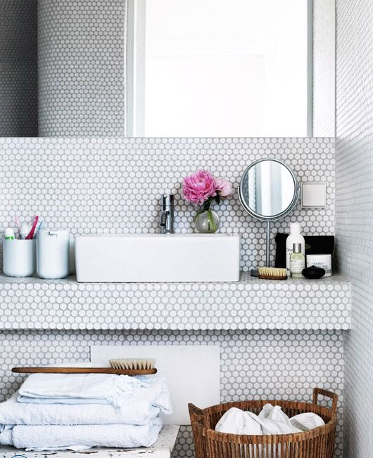 small_white_bathroom_tiles_32