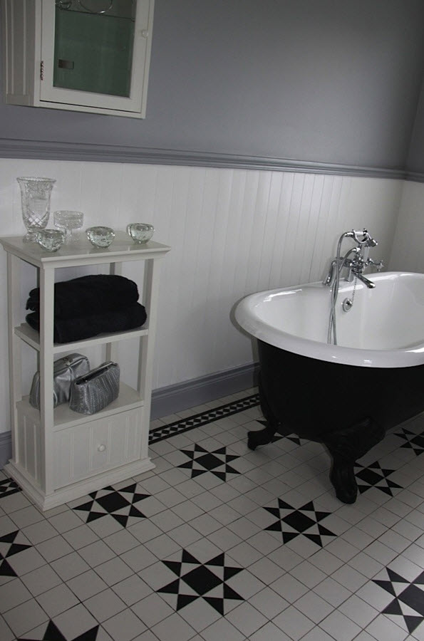 victorian_black_and_white_bathroom_floor_tiles_24