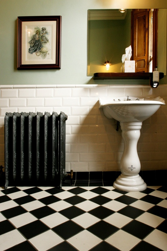 21 victorian black and white bathroom floor tiles ideas for Black tile bathroom designs