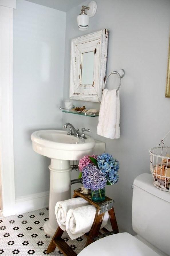vintage_black_and_white_bathroom_tile_10