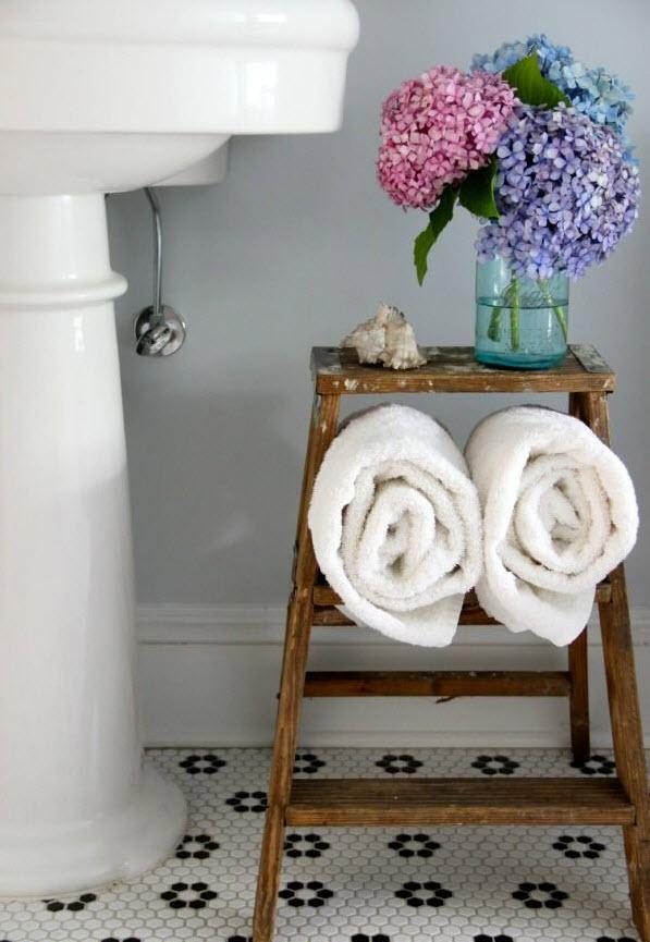vintage_black_and_white_bathroom_tile_12