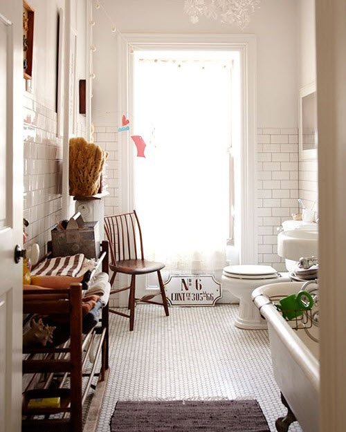 vintage_black_and_white_bathroom_tile_34