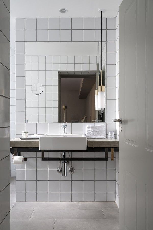 white_bathroom_tile_2