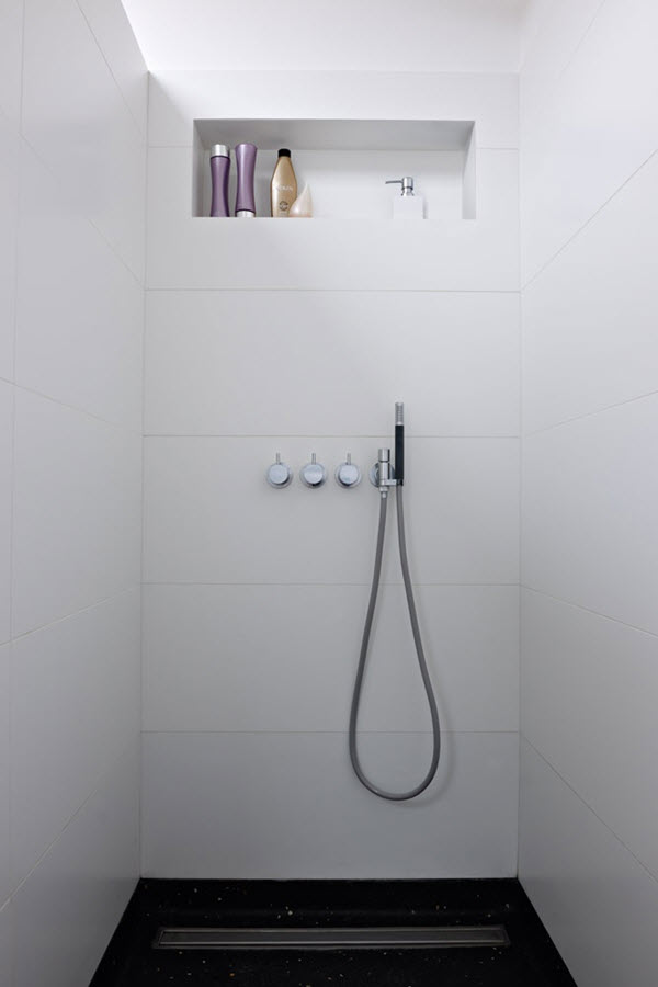 white_bathroom_tile_20