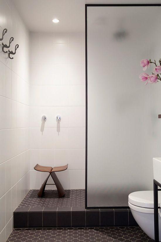 white_bathroom_tile_37