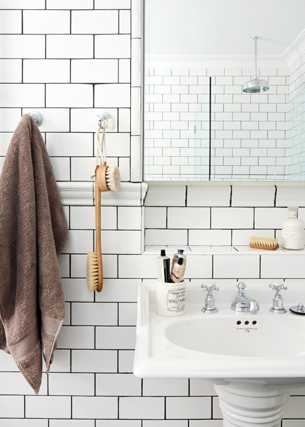 White Bathroom Tile Grey Grout Ideas And Pictures