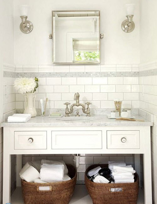 white_bathroom_tiles_with_border_8