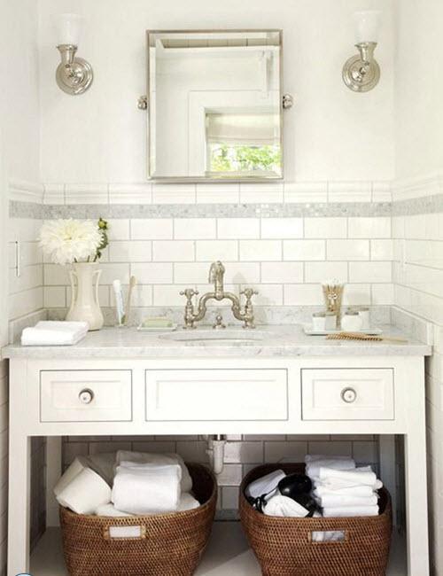 white_bathroom_tiles_with_border_8