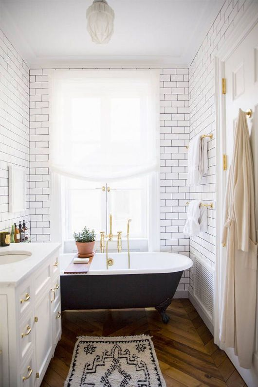white_bathroom_wall_tile_24
