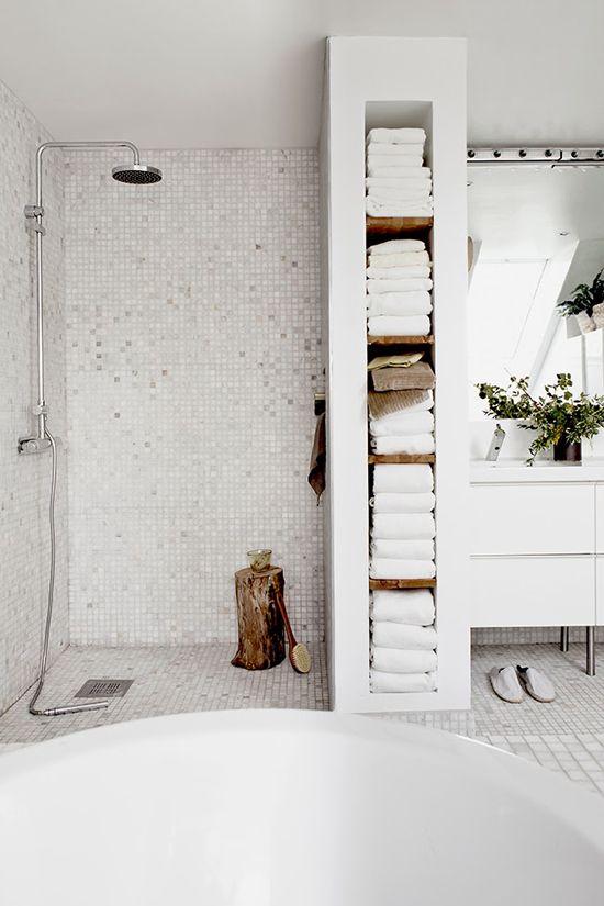 white_bathroom_wall_tile_29