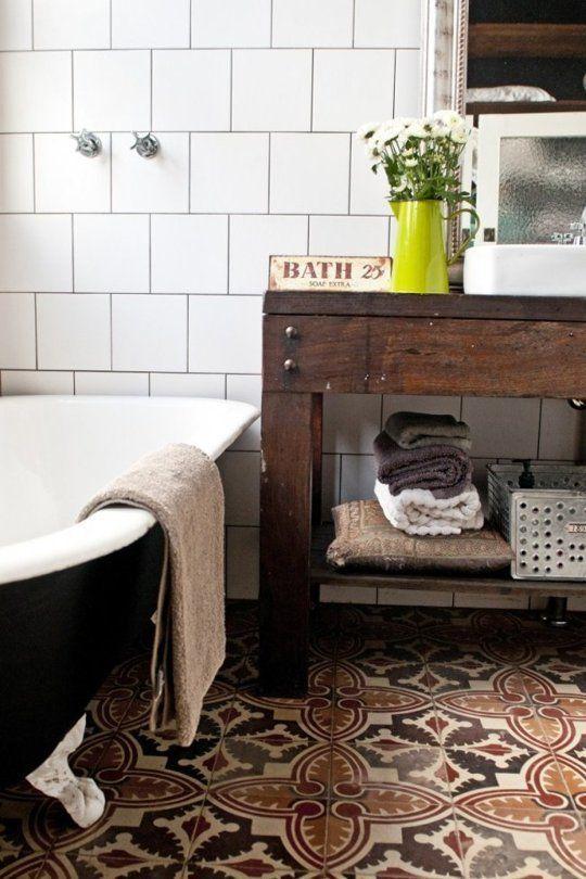 white_bathroom_wall_tile_30