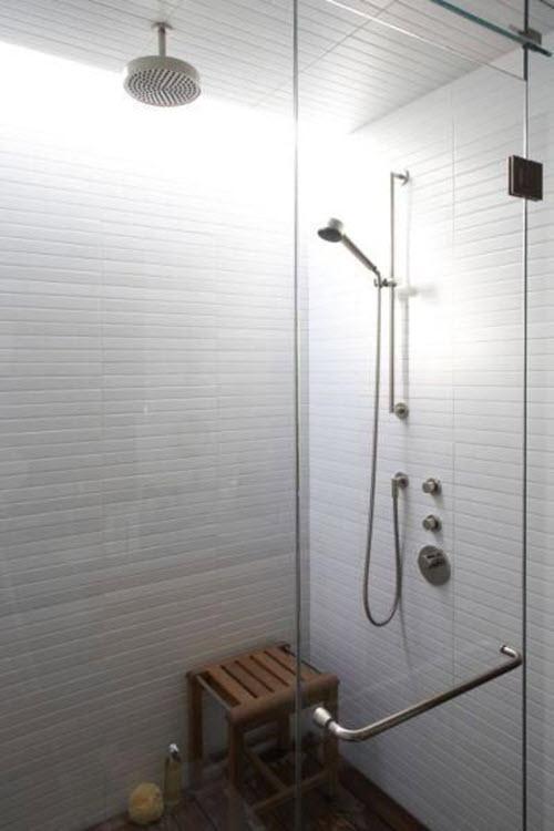 white_ceramic_bathroom_tile_15
