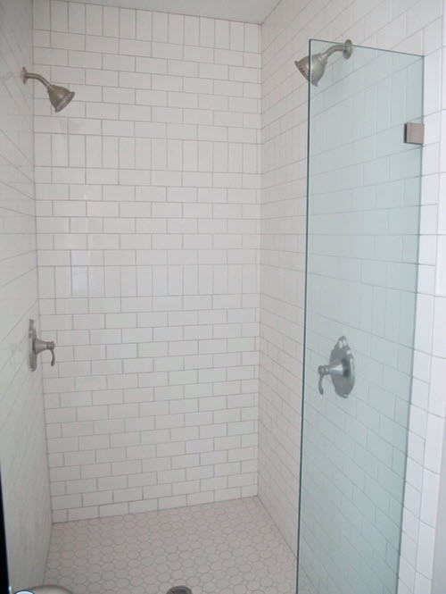 white_ceramic_bathroom_wall_tiles_23