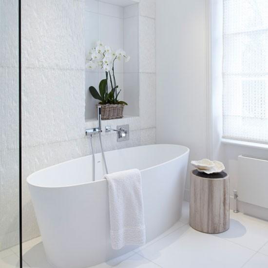 white_gloss_bathroom_floor_tiles_18