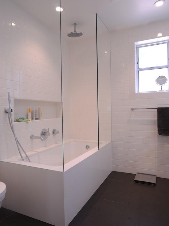 white_gloss_bathroom_tiles_10
