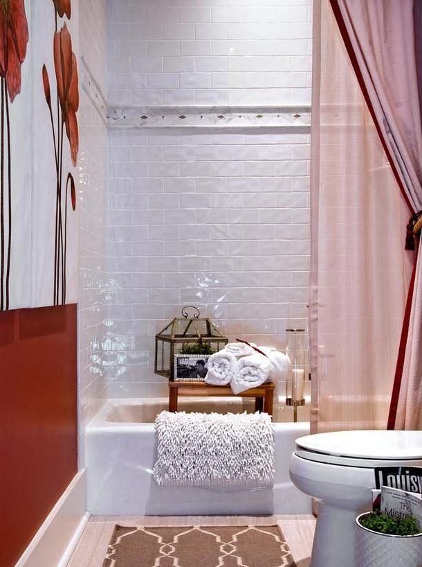 white_gloss_bathroom_tiles_15