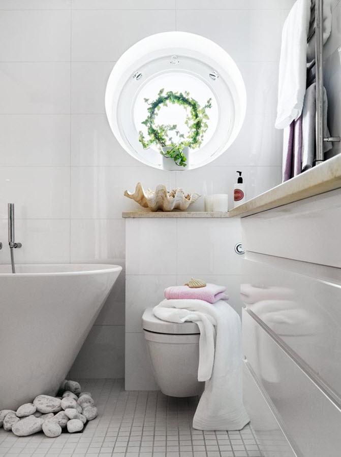 white_gloss_bathroom_tiles_16