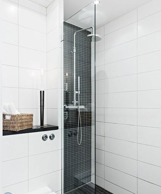 white_gloss_bathroom_tiles_22