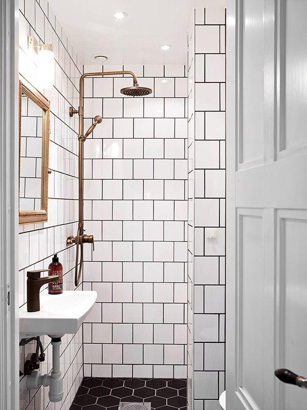 white_gloss_bathroom_tiles_27