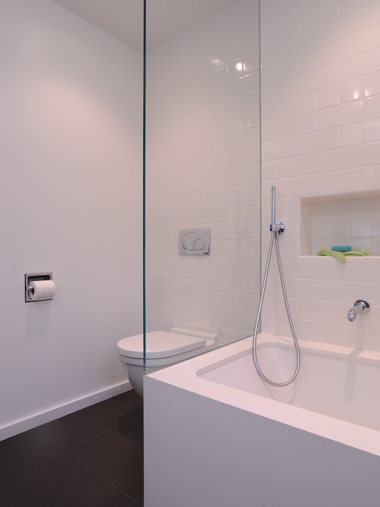 white_gloss_bathroom_tiles_28