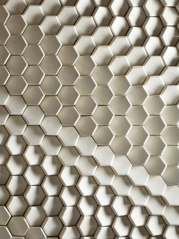 white_hexagon_bathroom_tile_14