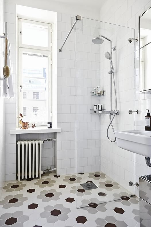 white_hexagon_bathroom_tile_27