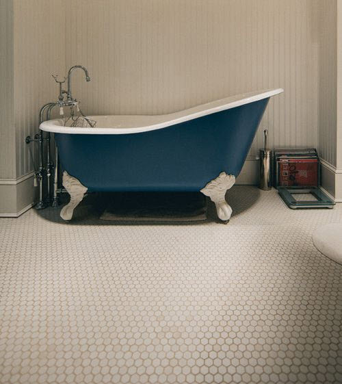 white_hexagon_bathroom_tile_31