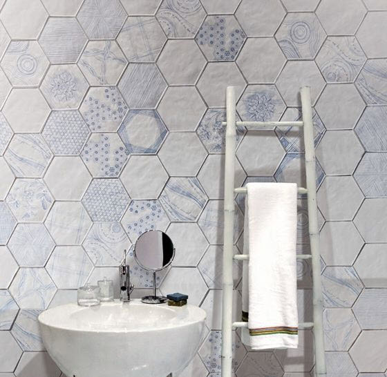 white_hexagon_bathroom_tile_8