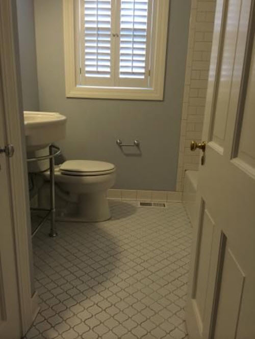 white_mosaic_bathroom_floor_tile_28