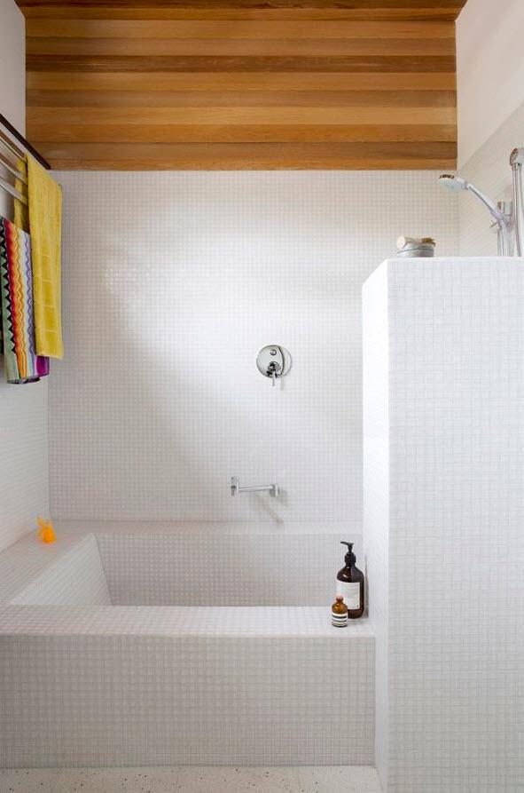 white_mosaic_bathroom_tile_11