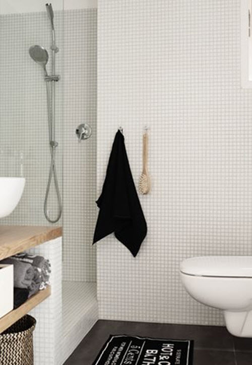 white_mosaic_bathroom_tile_13