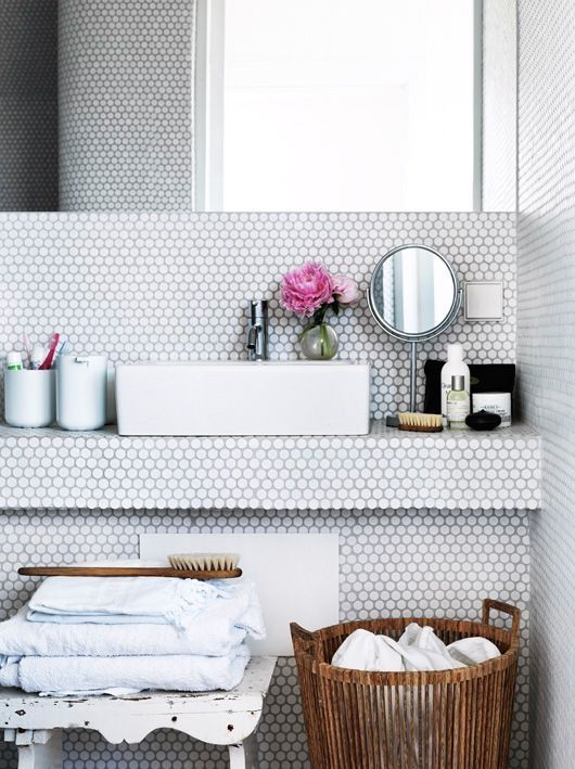 white_mosaic_bathroom_tile_2