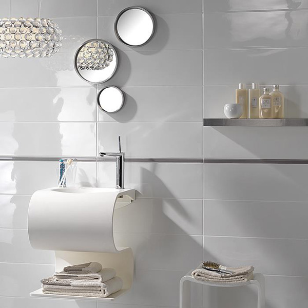 white_porcelain_bathroom_tile_25