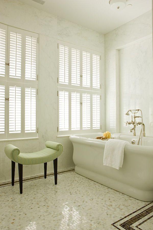 white_sparkle_bathroom_floor_tiles_11