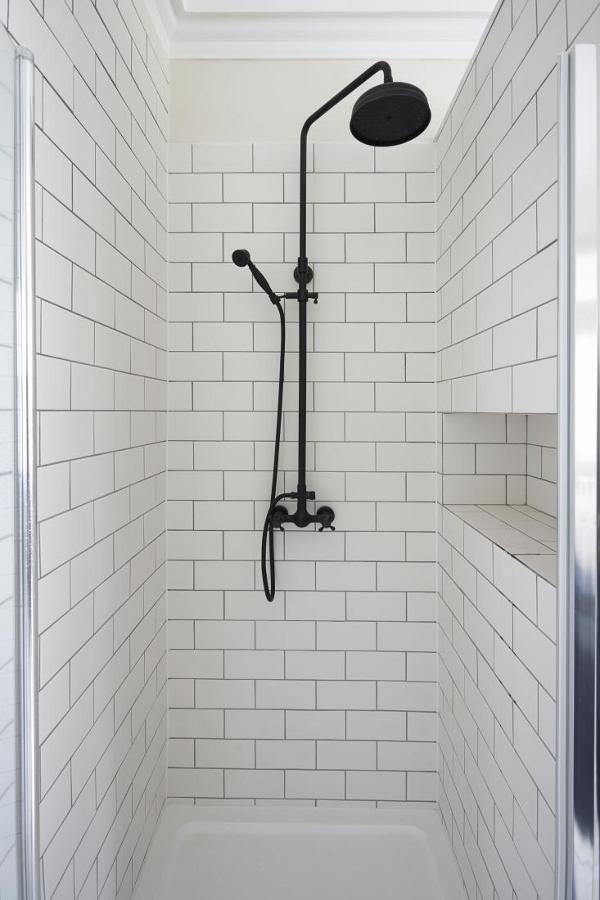 white_subway_tile_in_shower_20