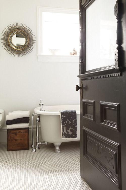 white_victorian_bathroom_tiles_23