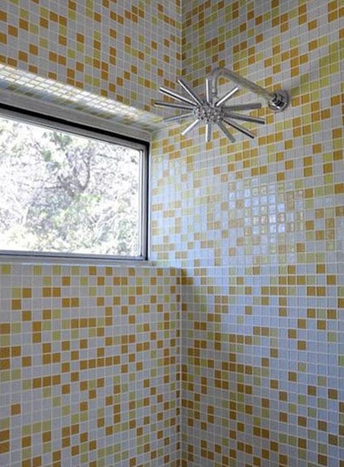 yellow_and_white_bathroom_tiles_19