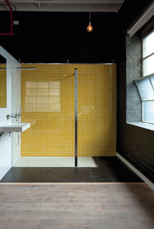 yellow_and_white_bathroom_tiles_33