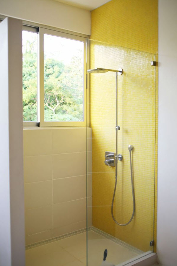 33 yellow and white bathroom tiles ideas and pictures for Bathroom ideas yellow tile