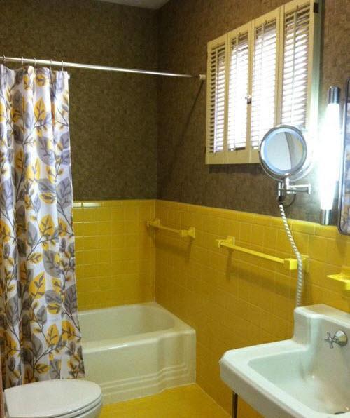yellow_bathroom_floor_tile_30