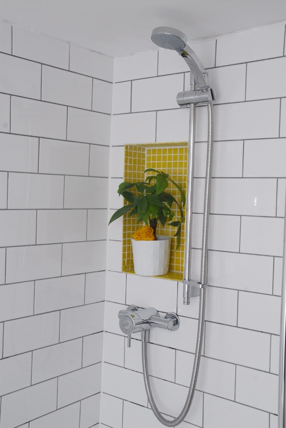 yellow_mosaic_bathroom_tiles_12