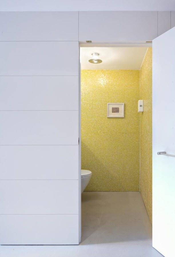 yellow_mosaic_bathroom_tiles_21