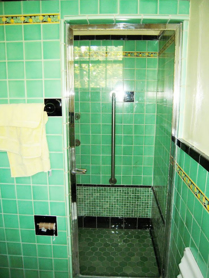 1950s_green_bathroom_tile_34